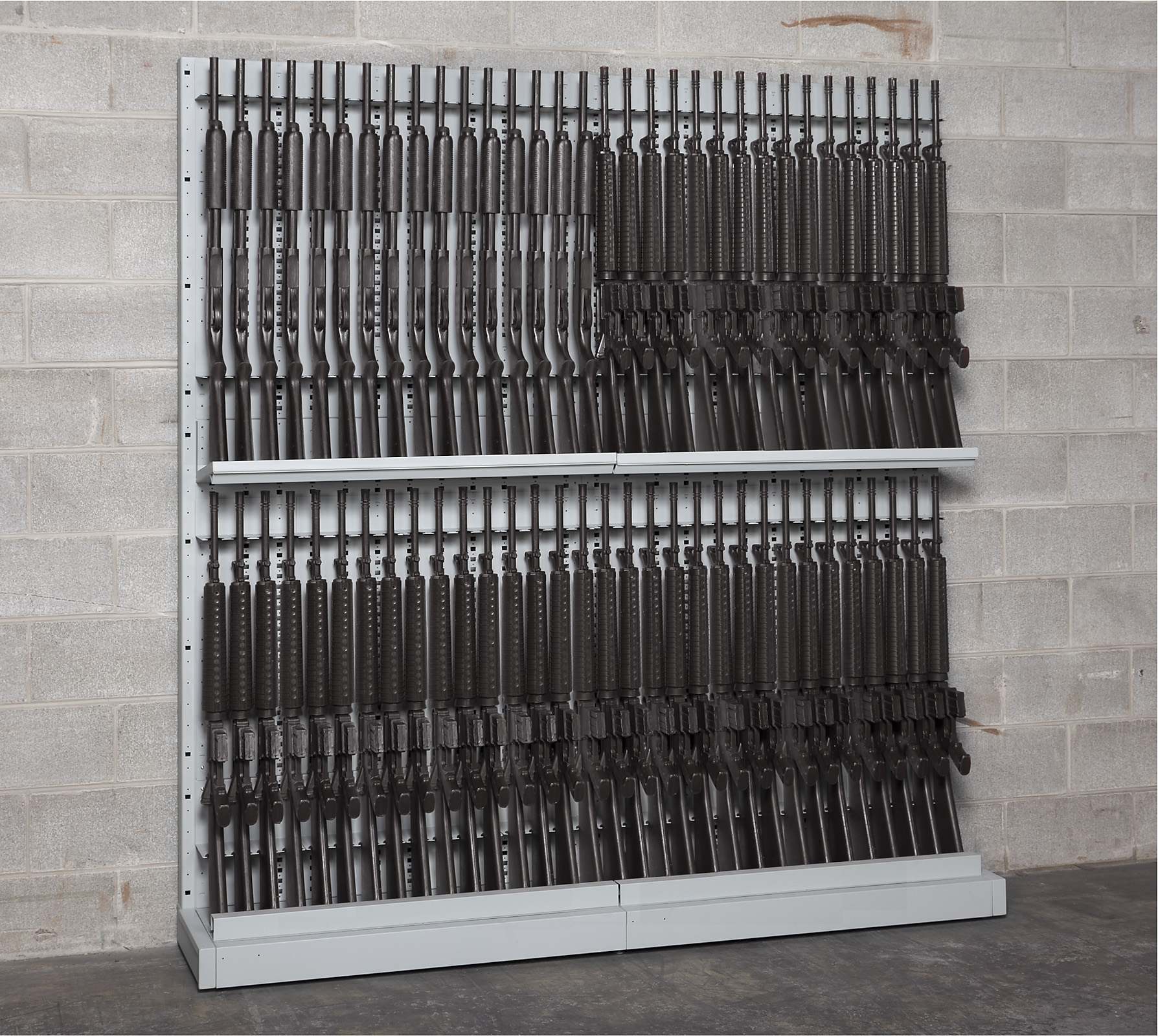 Single-Sided Expandable Weapon Rack with High-Density Storage Components